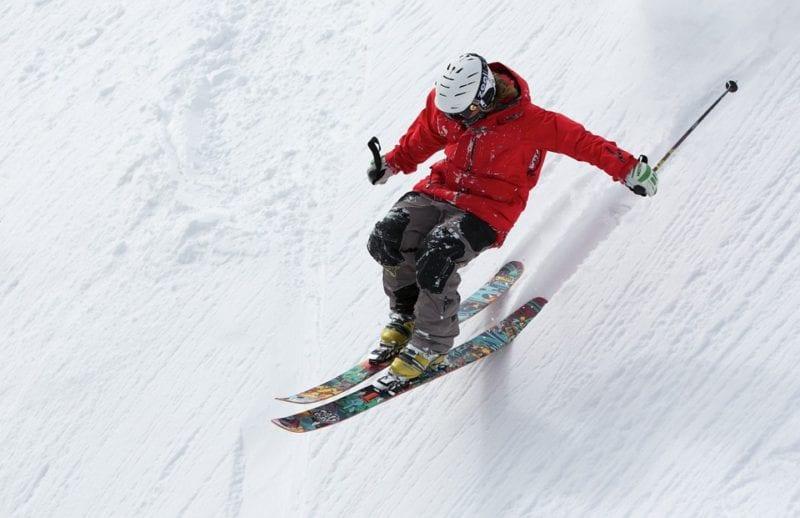 Ski in the snow